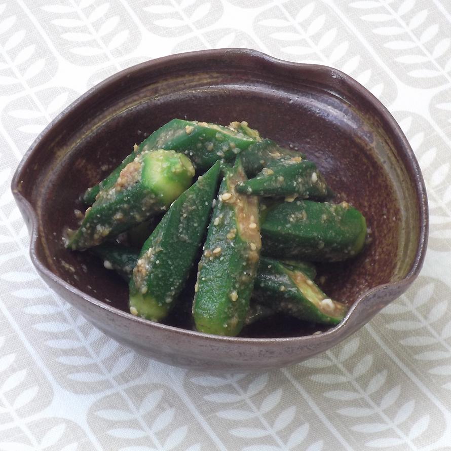 胡麻和え オクラ 夏バテ防止!簡単副菜「オクラとみょうがの胡麻和え」レシピ|OMUMOG